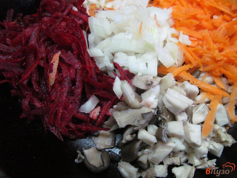 Фото приготовление рецепта: Свекольная икра с грибами шаг №1