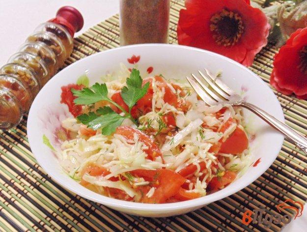 фото рецепта: Салат с капустой и помидором