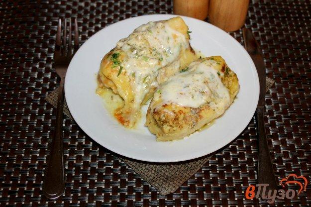 фото рецепта: Блины с мясом и сыром запеченные в сметанном соусе