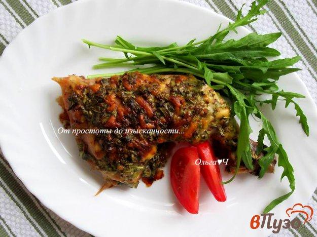 фото рецепта: Куриные окорочка под сырно-горчичным соусом с рукколой