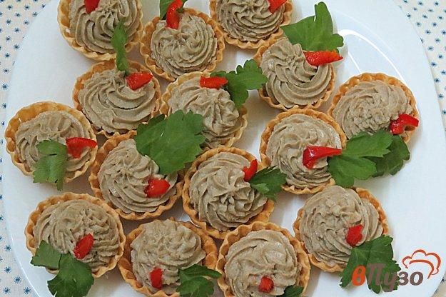 фото рецепта: Тарталетки с куриным филе и грибами (фуршет 1)