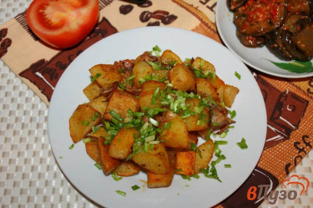 фото рецепта: Острый жареный картофель с беконом и чесноком