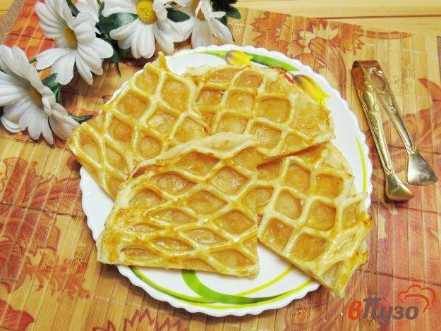 фото рецепта: Слоеный пирог с яблочным джемом