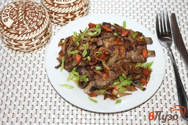 фото рецепта: Свиные ребра жареные с травами и грибами