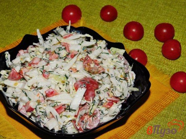 фото рецепта: Салат из пекинской капусты с помидорами