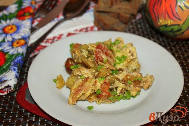 фото рецепта: Запеченный картофель с курицей в сметанном соусе