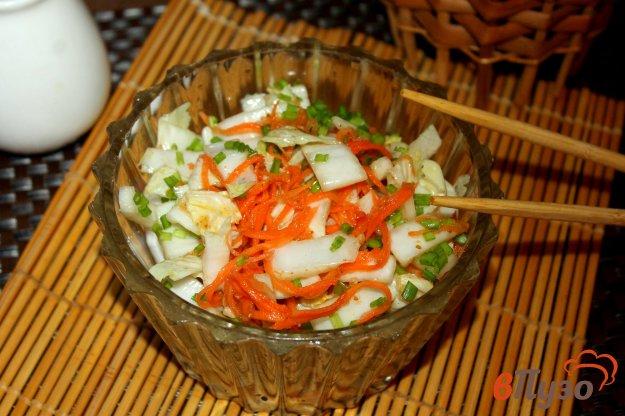 фото рецепта: Маринованная пекинская капуста с морковью