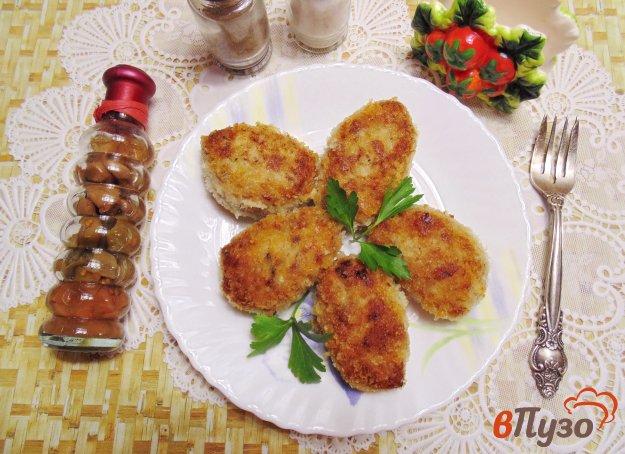 фото рецепта: Котлеты с фасолью и зеленым луком