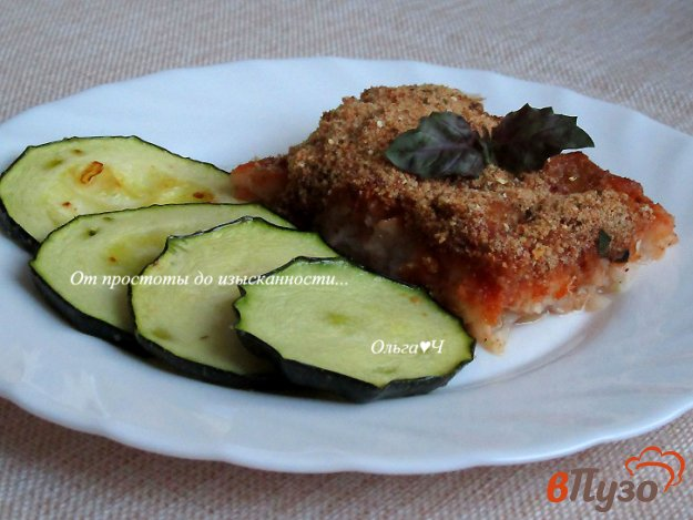 фото рецепта: Пангасиус, запеченный в томатном соусе с базиликом