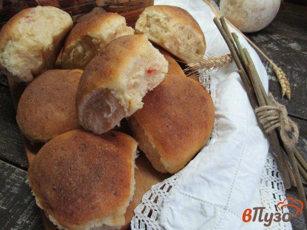 фото рецепта: Булочки на картофельном тесте с перцем чили