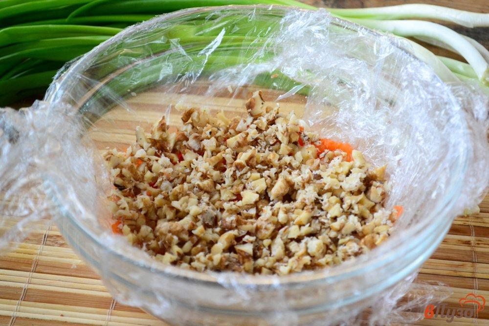 Фото приготовление рецепта: Салат с говядиной и гранатом шаг №3