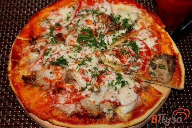 фото рецепта: Пицца острая со свиной бужениной, беконом и моцареллой