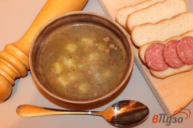 фото рецепта: Рисовый суп с копченой колбасой и зеленью