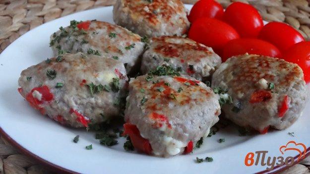 фото рецепта: Куриные котлеты с творогом и болгарским перцем