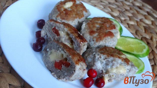 фото рецепта: Куриные котлеты фаршированные сыром и болгарским перцем