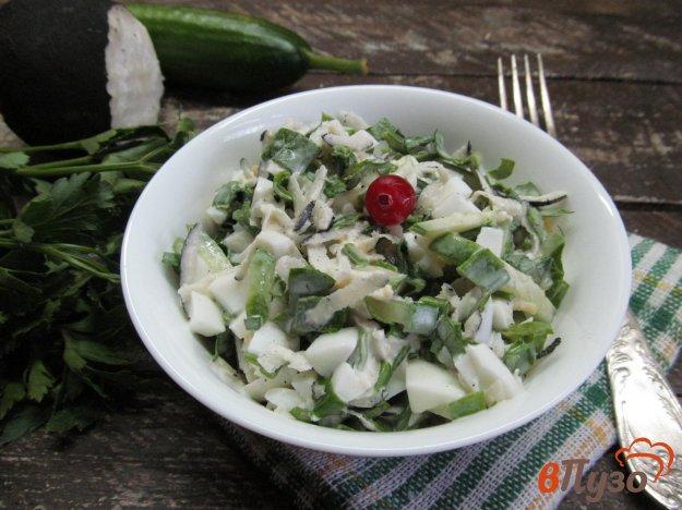 фото рецепта: Салат из редьки с яйцом и огурцом