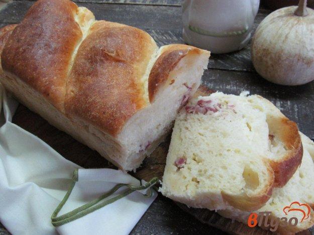 фото рецепта: Хлеб с начинкой из картофеля с колбасой