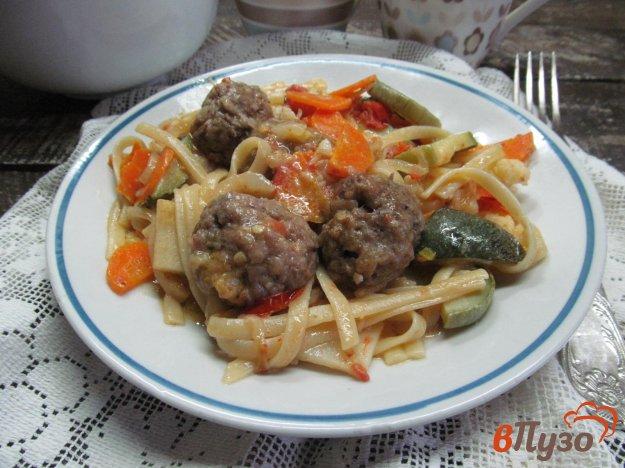 фото рецепта: Паста с фрикадельками в овощном соусе