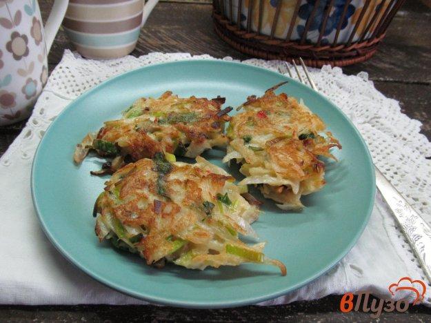 фото рецепта: Капустные котлеты с луком-порей и шпинатом
