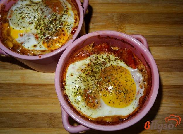 фото рецепта: Овощи и брынза запеченные под яйцом