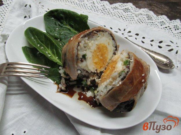 фото рецепта: Яйца в рисе и беконе
