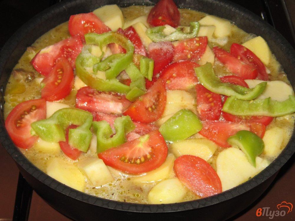 Фото приготовление рецепта: Рагу из говядины с картофелем и помидорами шаг №7
