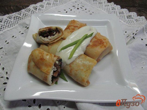 фото рецепта: Блинчики с грибами и сыром
