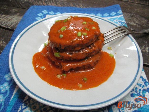 Котлеты из печени с овсянкой в томатном соусе