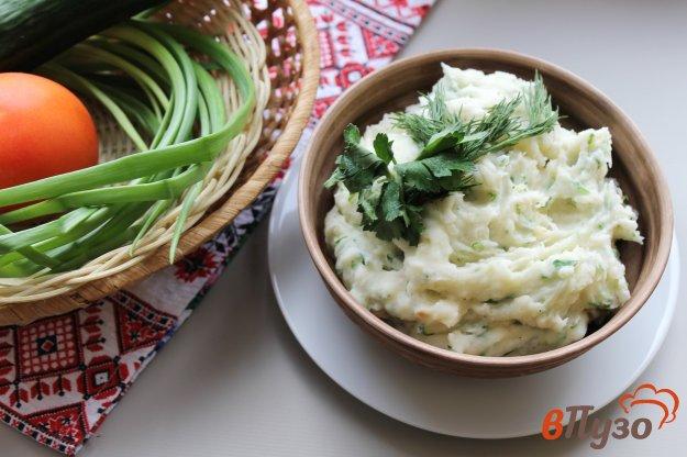 фото рецепта: Картофельное пюре с зеленью, чесноком и жареным луком