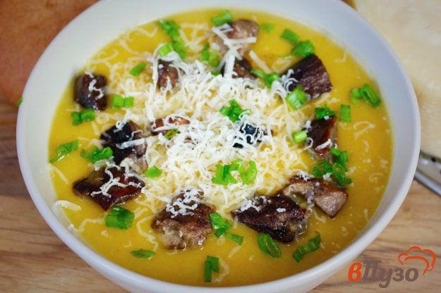 фото рецепта: Крем-суп с грибами и сыром