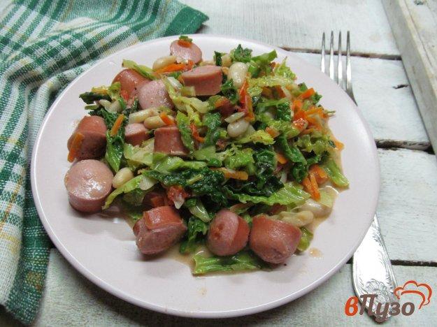 фото рецепта: Сосиски с фасолью и капустой