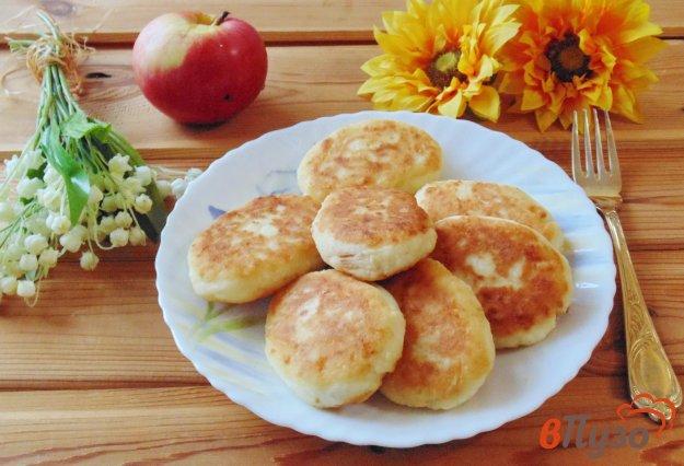фото рецепта: Сырники с яблоками