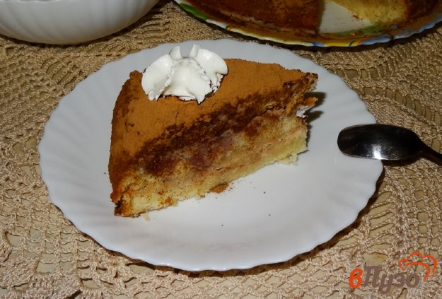 фото рецепта: Бисквитный пирог с желейной пропиткой