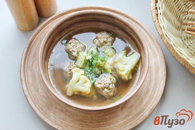 фото рецепта: Суп с цветной капустой и мясными фрикадельками