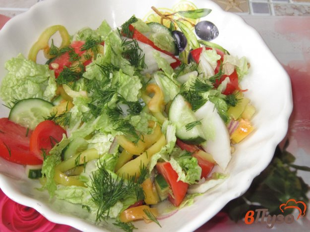 фото рецепта: Овощной салат с кедровыми орешками