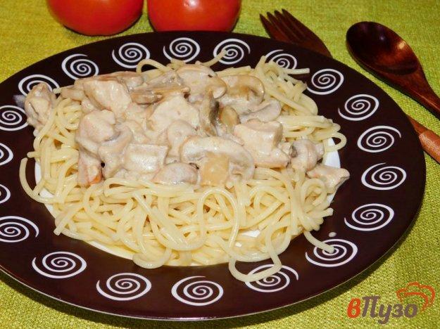 фото рецепта: Курица с шампиньонами в сливочном соусе