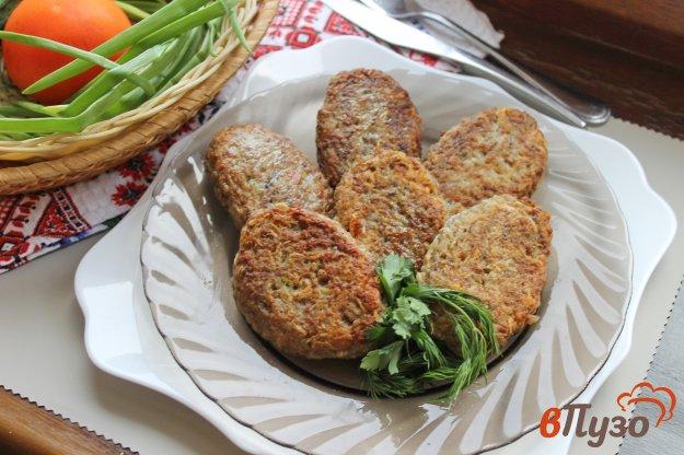 фото рецепта: Котлеты из фарша с грибами и картофелем
