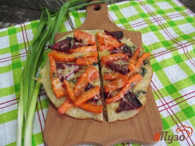 фото рецепта: Пирог с морковкой на сковороде