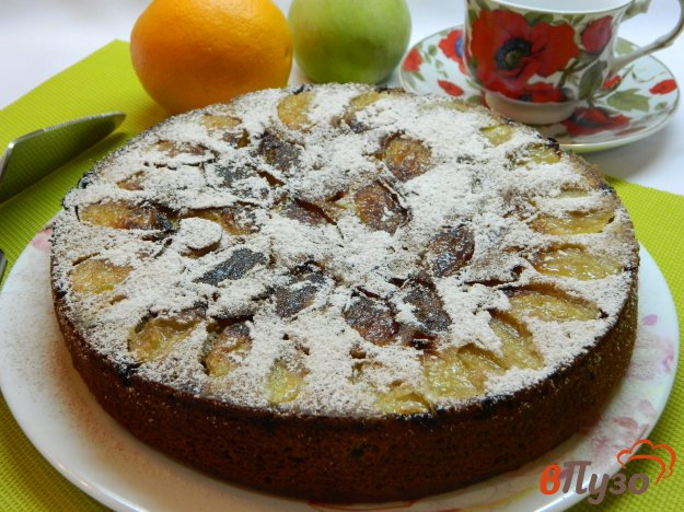 фото рецепта: Пирог на кефире с яблоками, орехами и курагой
