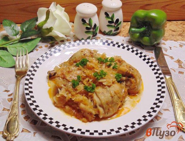 фото рецепта: Курица тушеная с квашеной капустой