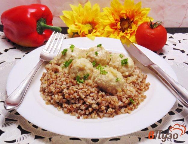 фото рецепта: Тефтели с горчицей в сметанном соусе