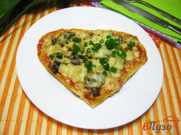 фото рецепта: Мини пиццы «Сердечки»