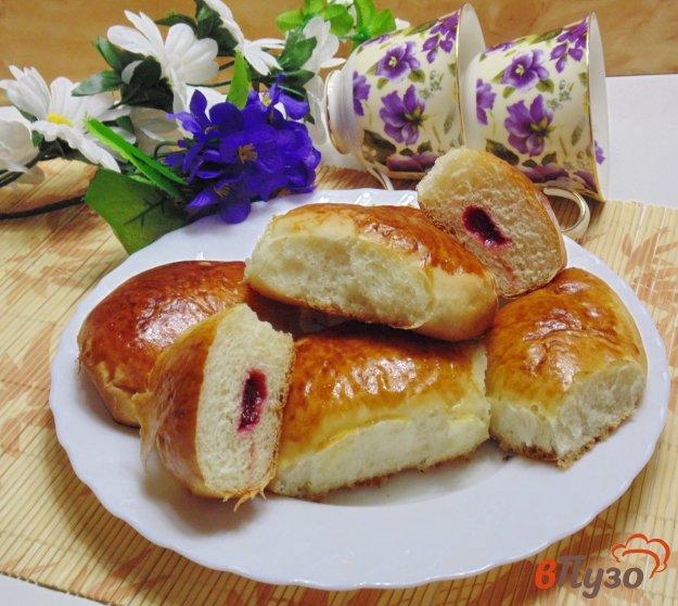 фото рецепта: Пирожки с вишневым джемом
