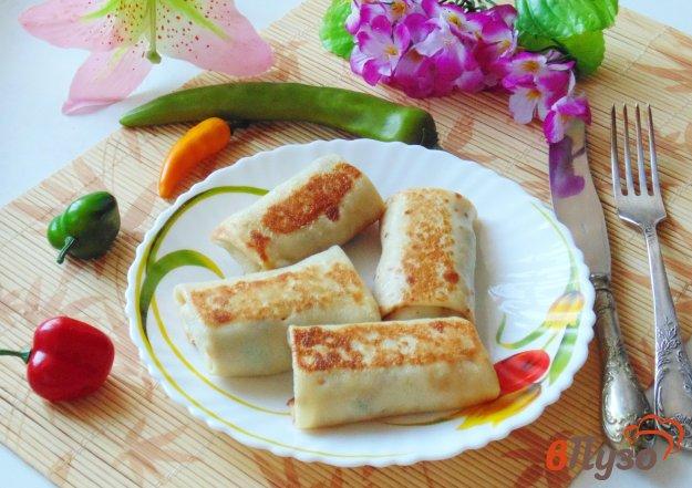 Блинчики с мясом, рисом и зеленым луком