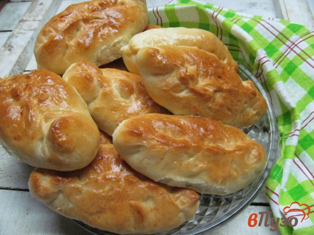 фото рецепта: Пирожки с капустой на сдобном тесте