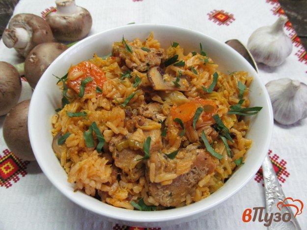 фото рецепта: Свинина с грибами и савойской капустой в мультиварке