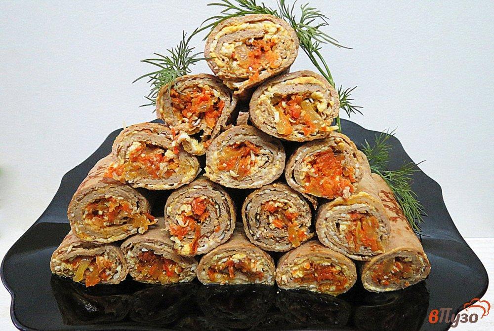 Фото приготовление рецепта: Печёночные блинчики с начинкой шаг №16