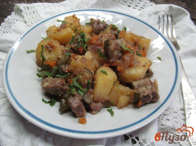 фото рецепта: Мясо с картофелем и огурцом в мультиварке
