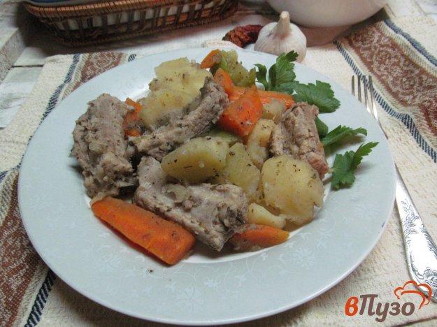 фото рецепта: Свиные ребра с овощами по домашнему