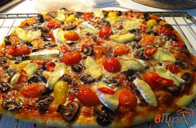фото рецепта: Пицца три сыра с шампиьонами